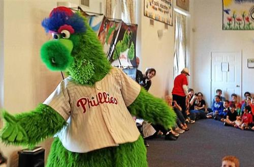 Philly Phanatic interacting with students